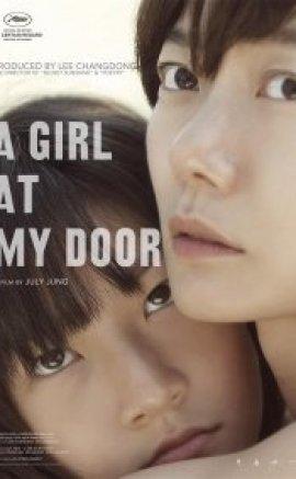 Kapımda Bir Kız izle